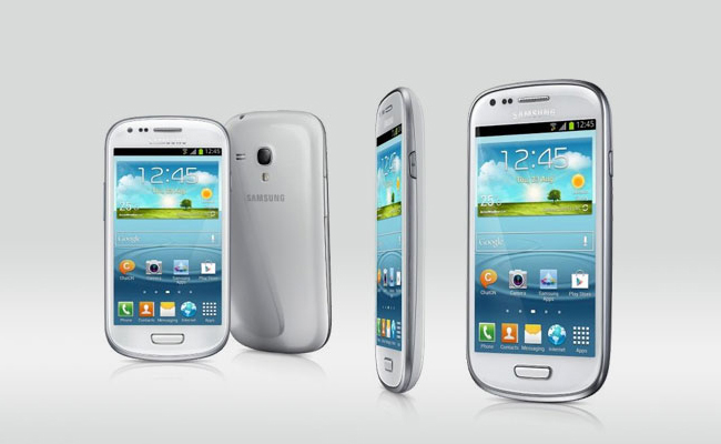 Samsung Galaxy S III mini Display